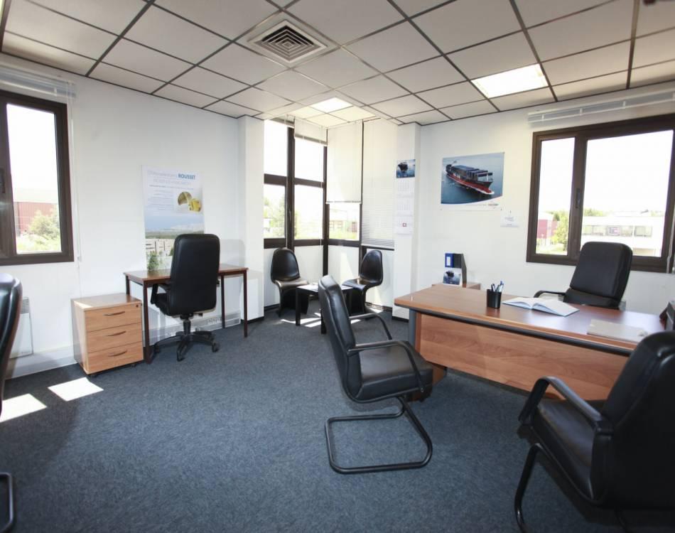 bureaux d 39 entreprise louer aix en provence actimart. Black Bedroom Furniture Sets. Home Design Ideas